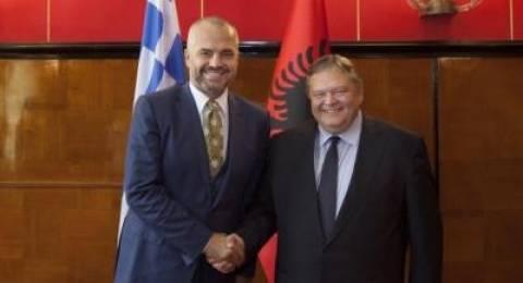 Θέλει να βάλει την Αλβανία στην Ε.Ε.