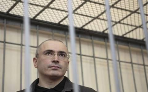 Δεν επιστρέφει στη Ρωσία ο μεγιστάνας του πετρελαίου Χοντορκόφσκι