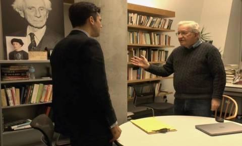 Ο Τσόμσκι στην προδημοσίευση του βιβλίου γνωστού δημοσιογράφου
