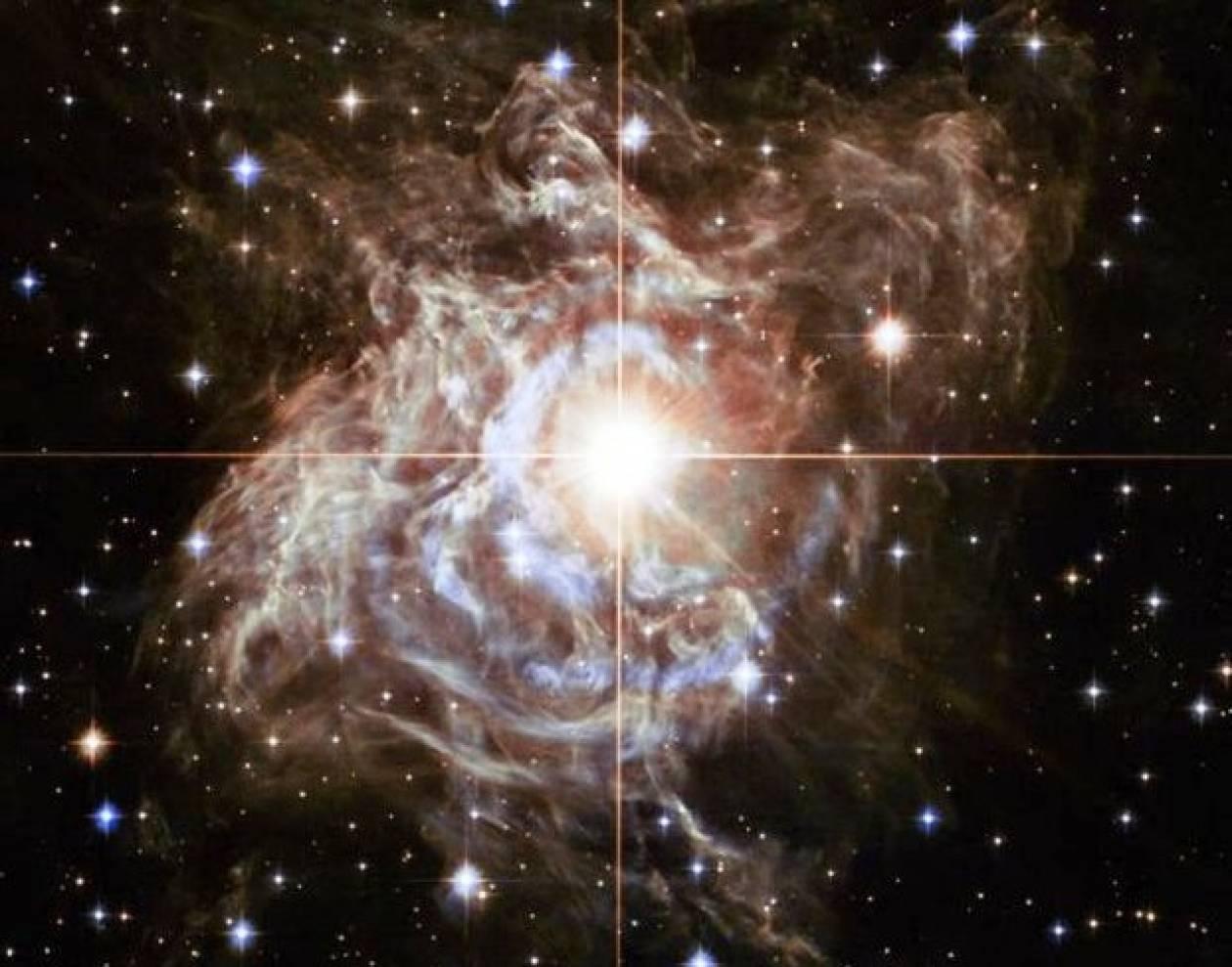 Το εντυπωσιακό αστέρι Puppis με τις διακυμάνσεις στη φωτεινότητα του!