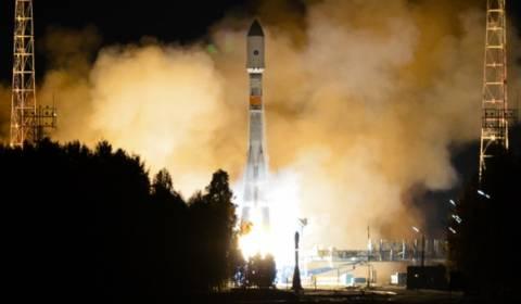 Αναβλήθηκε η εκτόξευση του πυραύλου Soyuz 2.1b