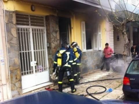 Πάτρα: Πανικός από φωτιά σε ισόγειο σπίτι και μηχανάκι