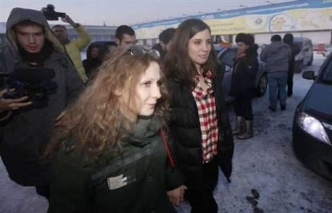 Pussy Riot: Θα συντρίψουμε τον Πούτιν με όλα τα δυνατά μέσα