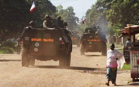Κεντροαφρικανική Δημοκρατία:Τανκς στο αεροδρόμιο-Μάχες στούς δρόμους