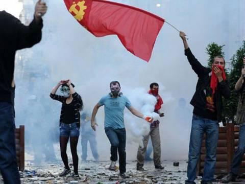 Διαδηλώσεις κατά της κυβέρνησης σε Άγκυρα και Κωνσταντινούπολη