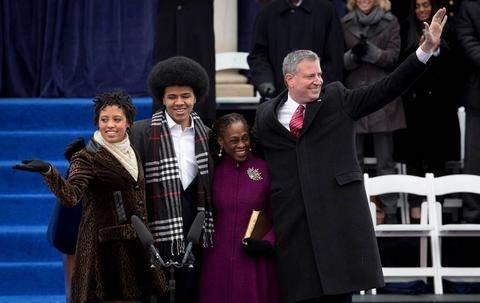 Ανέλαβε καθήκοντα ο 109ος δήμαρχος της Νέας Υόρκης