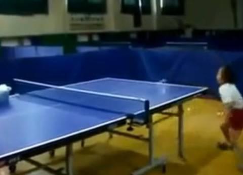 Αυτή είναι η πιο μικρή αθλήτρια του πινγκ πονγκ! (βίντεο)