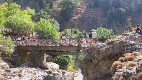 Χιλιάδες τουρίστες στην Κρήτη για το φαράγγι της Σαμαριάς