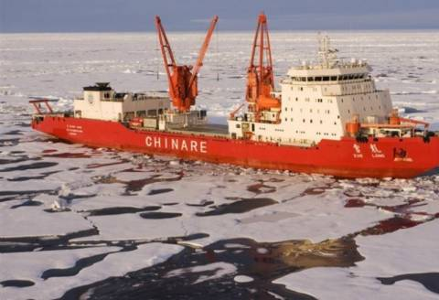 Και δεύτερο πλοίο παγιδεύτηκε στους πάγους της Ανταρκτικής