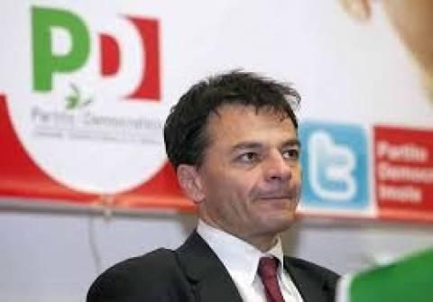 Παραιτήθηκε ο υφυπουργός οικονομικών Στέφανο Φασσίνα