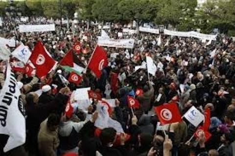 Τυνησία: Έγκριση των πρώτων άρθρων του Συντάγματος