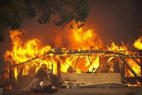 Αυστραλία: Πύρινη λαίλαπα σε νησί του Κουίνσλαντ
