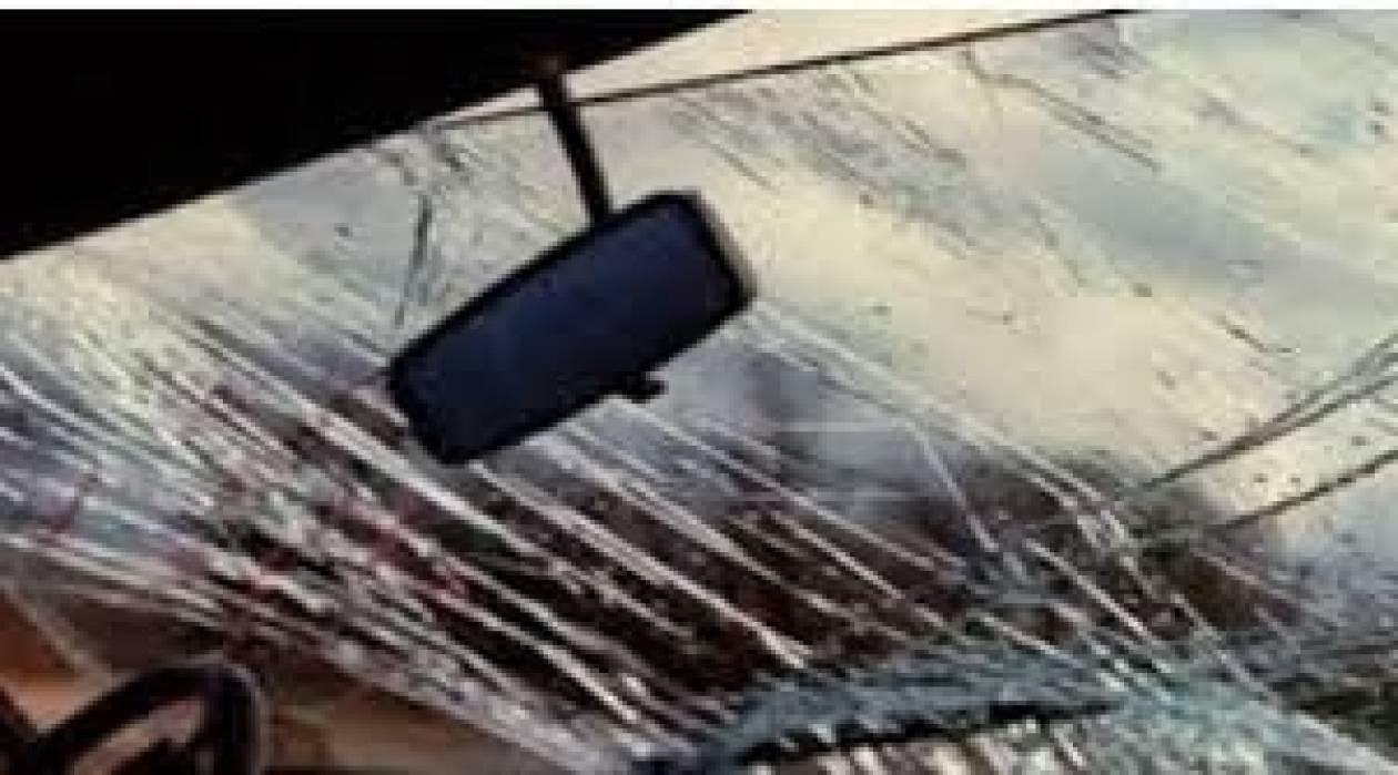 Σύγκρουση νταλίκας με ΚΤΕΛ - 15 τραυματίες
