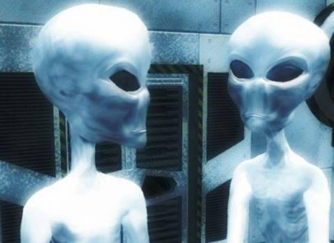 Βγήκαν τα όπλα εξαιτίας διαφωνίας...για τους εξωγήινους!