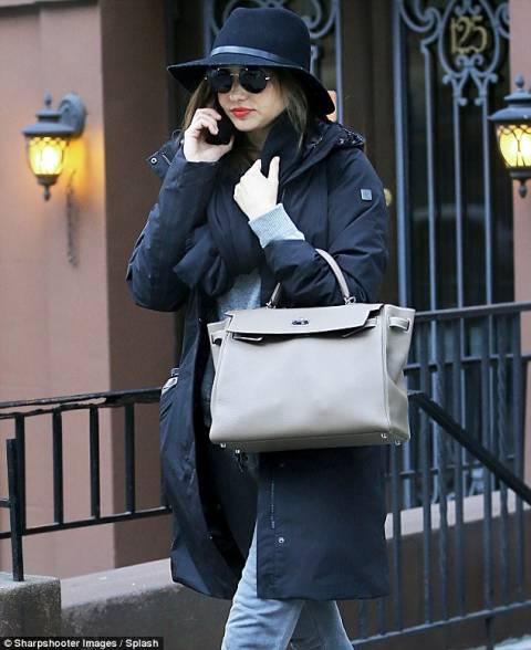 Η βόλτα της Miranda Kerr στην παγωμένη Νέα Υόρκη
