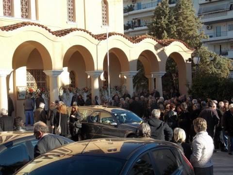 Βουβός θρήνος στην κηδεία της 20χρονης Αγγελικής