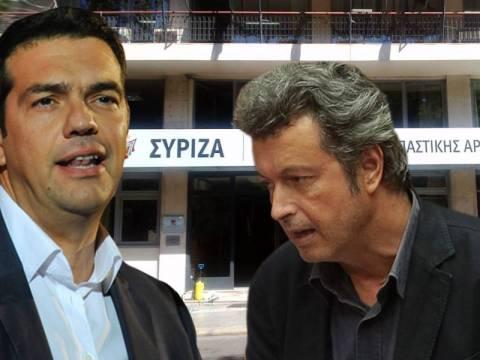 ΣΥΡΙΖΑ για Τατσόπουλο: Δώσε και την έδρα σου και αν επιμένεις φύγε