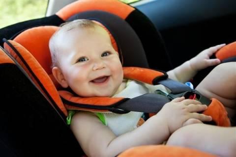 Επινόησε μηχανισμό για να μην ξεχνούν οι γονείς τα παιδιά στο αμάξι