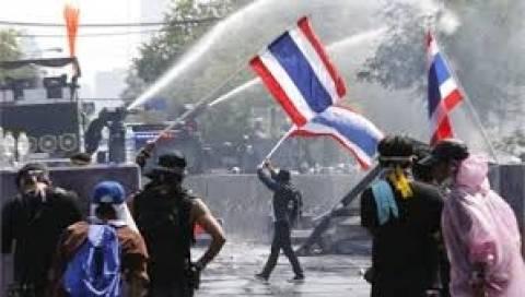 Πολλοί τραυματίες από πυρά εναντίον διαδηλωτών στη Μπανγκόκ