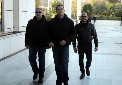 Κασιδιάρης: Η ΧΑ διώκεται, τα λαμόγια του ΠΑΣΟΚ και ΝΔ είναι ελεύθερα