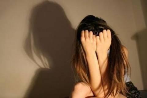 ΣΟΚ: 17χρονη κατήγγειλε το βιασμό της από τον αδελφό του παππού της!