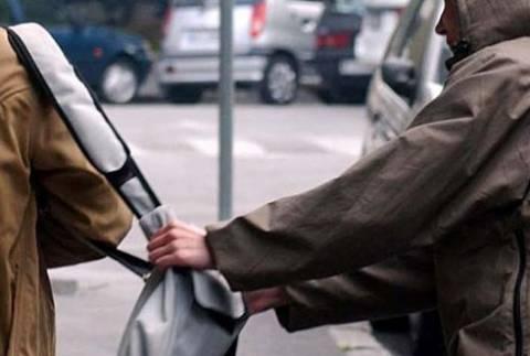 Χανιά: Πήγε να της αρπάξει τη τσάντα εκμεταλλευόμενος την πολυκοσμία