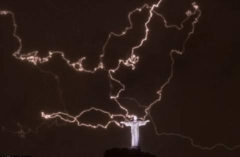 Αυτή είναι η φωτογραφία που κάνει τον γύρο του κόσμου (photos)!