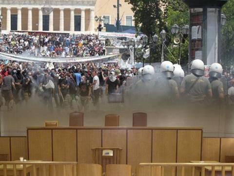 Στο εδώλιο 18 αστυνομικοί για τα επεισόδια στο κέντρο της Αθήνας