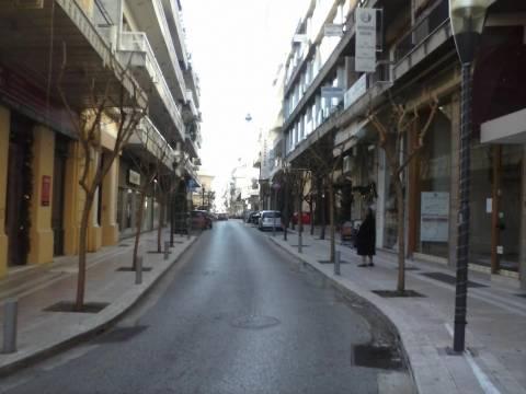 Ελάχιστα καταστήματα άνοιξαν στο Αγρίνιο