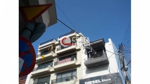 Κρήτη: «Έφυγαν» τζάμια από την ταράτσα και τραυμάτισαν ηλικιωμένη