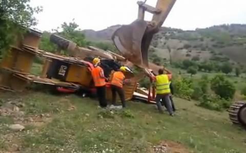 Είχαν να κάνουν απλά μια δουλειά... (βίντεο)