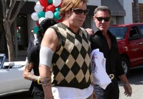 Ο Mickey Rourke έχει μείνει μισός (photos)