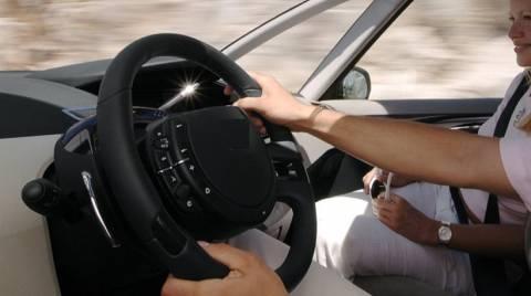 Δε θα πιστεύετε πόσο βρόμικο είναι το τιμόνι του αυτοκινήτου!