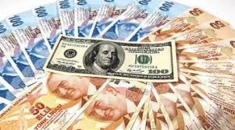 Ανησυχία για τη συνεχή πτώση της τουρκικής λίρας