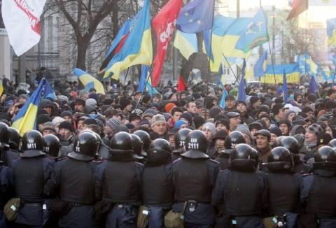 Ουκρανία: Διαδηλωτής «υπέκυψε στα τραύματά του»