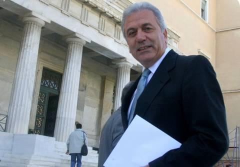 Αβραμόπουλος: «Όχι πρόωρες εκλογές»