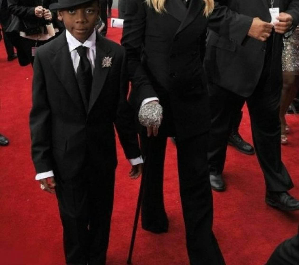 Δείτε τη Madonna…γερασμένη και με το ίδιο outfit με τον γιό της