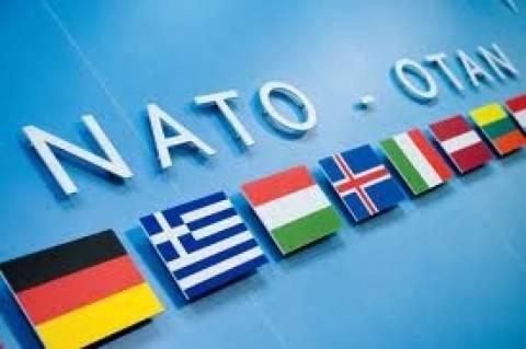Χόιτ Μπράιαν Γι: Θα μπούν τα Σκόπια στο ΝΑΤΟ όταν λυθεί το όνομα