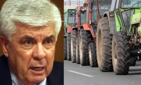 Μπλόκα από Δευτέρα οι αγρότες-Άκαρπη η συνάντηση με τον Τσαυτάρη