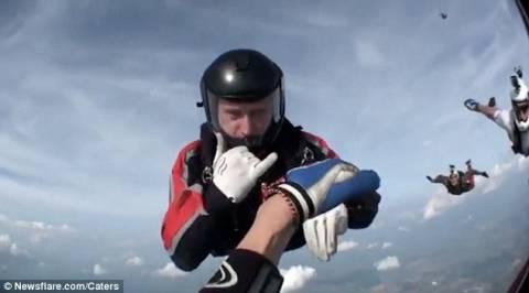 Βίντεο που κόβει την ανάσα: Έχασε τις αισθήσεις του στα 8.000 πόδια