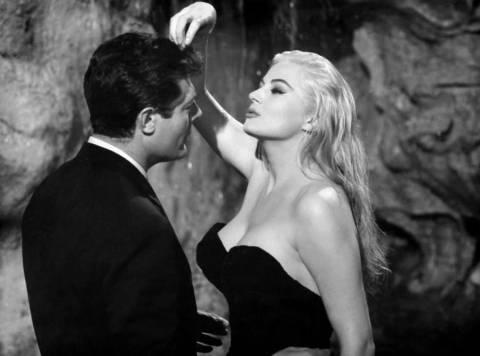 «Έφυγε» η μούσα του Φελίνι για την ταινία La Dolce Vita