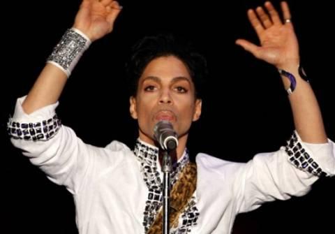 Ο Prince απέσυρε τη μήνυση σε 22 χρήστες Facebook και Blogger