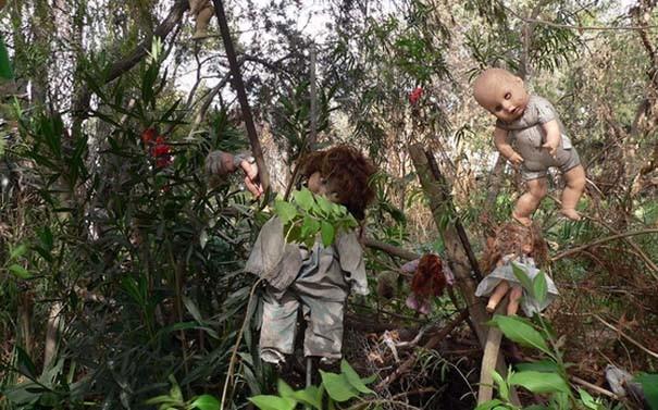 Το ανατριχιαστικό νησί με τις κούκλες