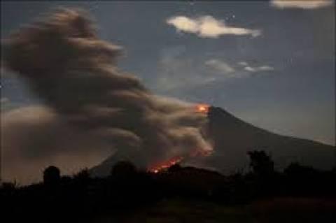 Σουμάτρα: Τουλάχιστον 14 νεκροί από έκρηξη ηφαιστείου