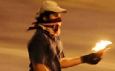 Άγνωστοι έριξαν βόμβα μολότοφ σε διαμέρισμα στην Τούμπα