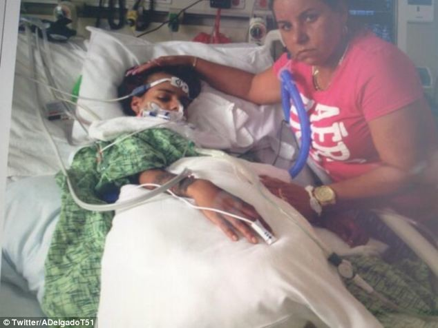 19χρονη έπεσε σε κώμα μετά από πλαστική στο στήθος - Δείτε πώς έγινε