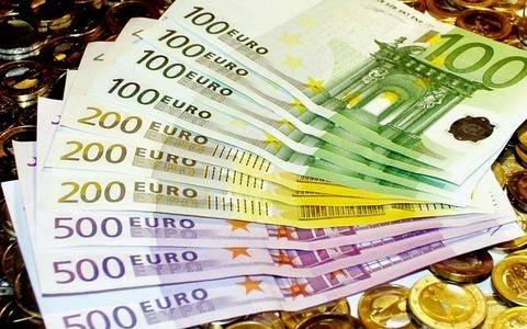 Bloomberg: Επιμήκυνση του χρόνου αποπληρωμής των ελληνικών δανείων