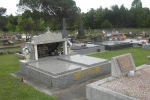 Αυστραλία: Φόρος και στους τάφους!