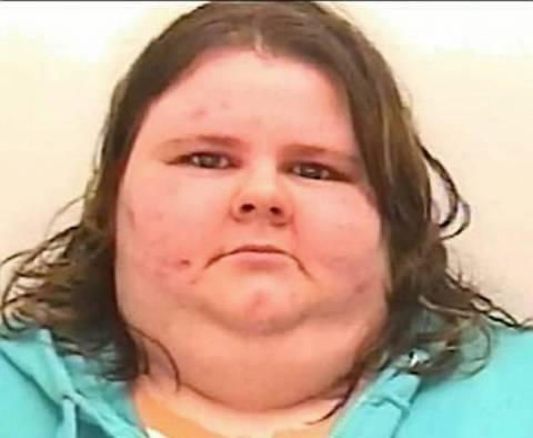 Τα ψεύτικα προφίλ στο Facebook και τα μηνύματα την οδήγησαν στη φυλακή