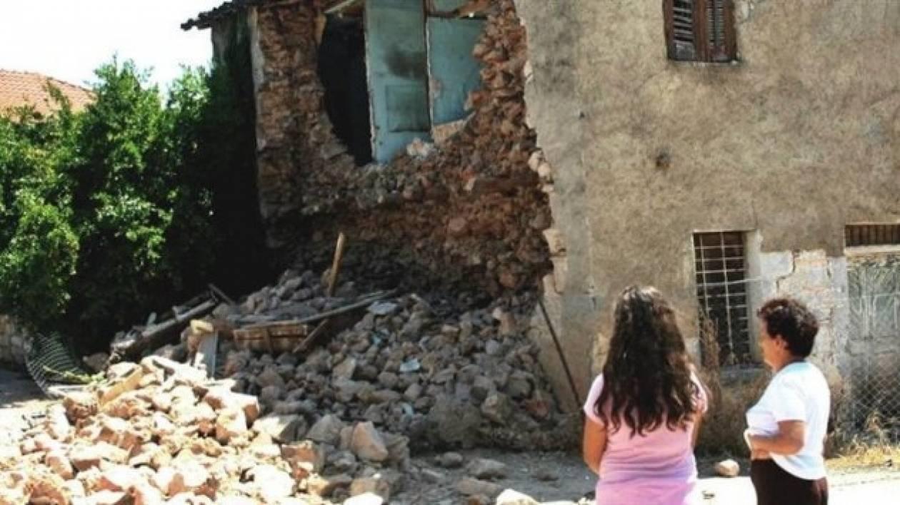 Ξεσπούν οι σεισμοπαθείς της Αμφίκλειας: Μας ξέχασαν (vid)
